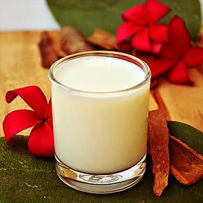 Натуральное средство от бессонницы: молоко с корицей
